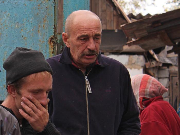 Николай (справа) совсем недавно вернулся с заработков в Днепропетровской области